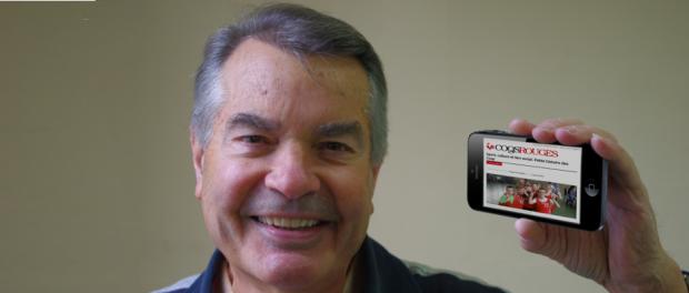 Guy Plessis fait une démonstration de la mise en page flexible du nouveau site.